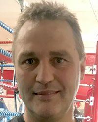 Dean Eshelby boxer