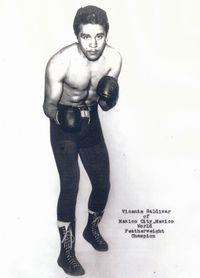 Vicente Saldivar boxer