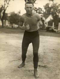 Alex Hart boxer
