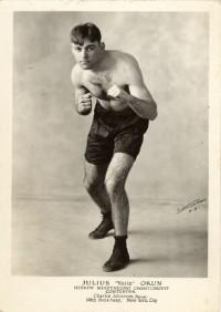 Yale Okun boxer