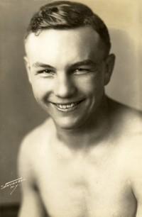 Leo Lomski boxer
