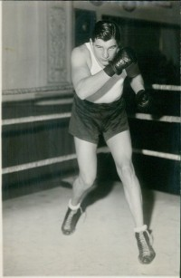 Dick Daniels boxer