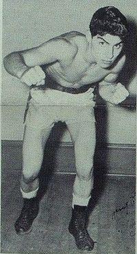 Tommy Salem boxer