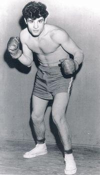 Johnny Bizzarro boxer
