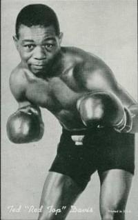 Teddy Davis boxer