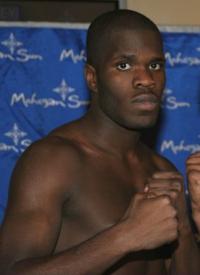 Sechew Powell boxer