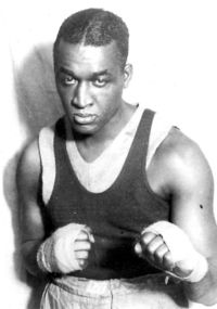 Larry Gains boxer