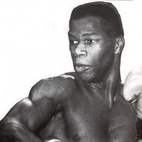Derek Angol boxer