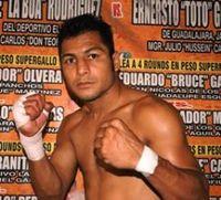 Lizardo Moreno boxer