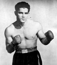 Tommy Gomez boxer