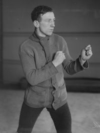 Tommy Noble boxer