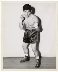 Jesse Flores boxer