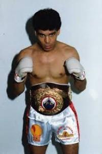 Kamel Bou-Ali boxer