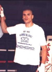 Cesar David Crenz boxer