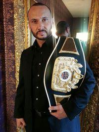 Turgay Uzun boxer