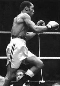 Anthony Logan boxer