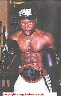 Mukadi Manda boxer