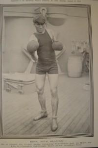 Frank Kirke boxer