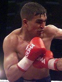 Ali Ennebati boxer