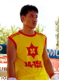 Somsak Sithchatchawal boxer