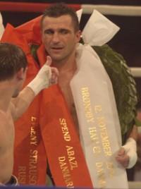 Spend Abazi boxer