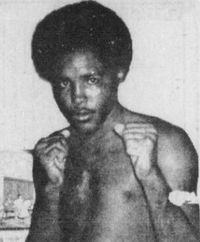 Sandy Torres boxer