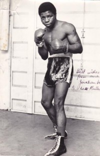 Jonathan Dele boxer