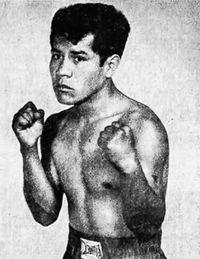 Manuel Flores boxer