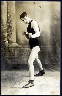 Dick Gilbert boxer
