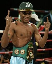Leon Moore boxer