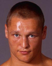 Denis Bakhtov boxer