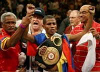 Cesar Canchila boxer