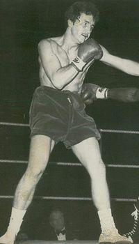 Mike Baker boxer