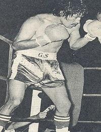 Eduardo Aracena boxer