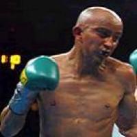 Alejandro Moreno boxer