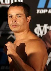 Miguel Del Valle boxer