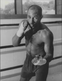 Courtney Hooper boxer