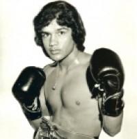 Vicente Mijares boxer