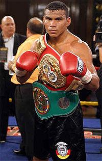 Juan Urango boxer