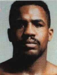 Larry Barnes boxer