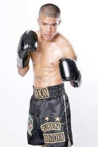 Ruben Montoya boxer
