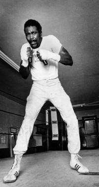Larry Bonds boxer
