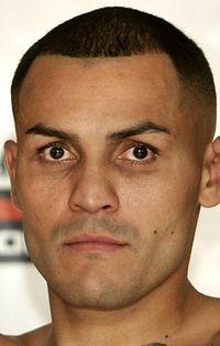 Mike Alvarado boxer