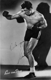 Luc van Dam boxer