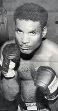 Willis Earls boxer