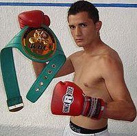Daniel Estrada boxer