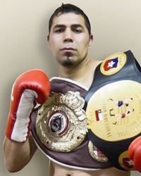 Hardy Paredes boxer