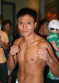 Somchai Nakbalee boxer