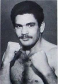 Vilomar Fernandez boxer