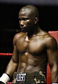 Albert Onolunose boxer